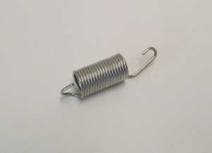 Throttle tension spring 40mm. carburator 81 up